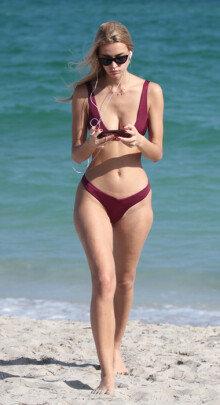 미국 패션모델 마리야 멜니크, 무결점 몸매 포착