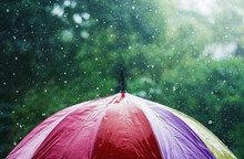 빗물 떨어지는 소리 들으면 집중력 높아지는 이유