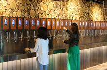 맥주 장사가 뻔하다고? 개성 있는 소비자를 위한 이색적인 맥주 판매 전략