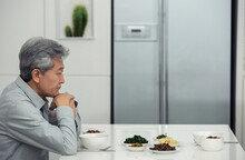 '고령사회'... 이 대신 잇몸으로 먹을 수 있는 음식 산업 뜬다