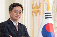혁신성장에 드라이브 거는 김동연 경제부총리