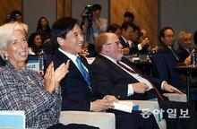"""""""한국, 노동시장 性차별 줄이면 GDP 10% 늘것"""""""