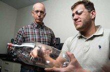 플라스틱 분해하는 변종 효소 발견…환경오염 문제 해결될까?