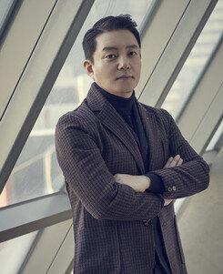 """[DA:인터뷰②] '출국' 이범수 """"연우진 멱살만 40번…가슴에 퍼런 멍"""""""