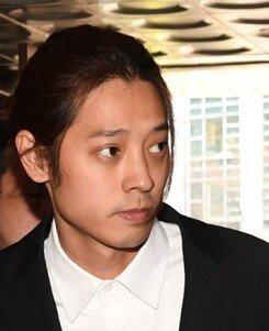 """[DA:이슈] 포승줄 묶인 정준영, """"용서 못 할 범죄…평생 반성"""" 뒤늦은 후회"""