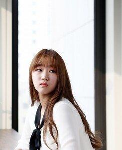 """[루키인터뷰:얘어때?] 김윤희 """"발라더 노선? 크러쉬·자이언티처럼 싱잉랩 도전하고파"""""""