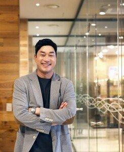 "[DA:인터뷰] 야구선수→방송인…봉중근 ""밑바닥부터, 새로운 시작입니다"""