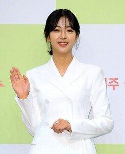 "[DA:이슈] ""사실은 사실""…고원희의 성형 인정→성명서→응원ing"