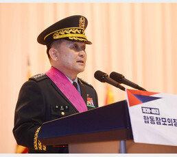 '순진 형님'에 해외여행 깜짝 선물한 문재인 대통령