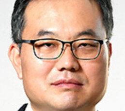 [오늘과 내일/배극인]김영춘 장관의 거꾸로 세계지도
