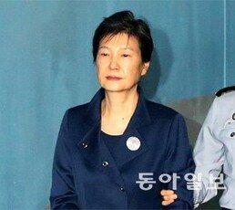 """[단독]박근혜 前대통령, 재판 보이콧 """"20년, 30년형도 개의치 않는다"""""""