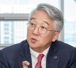 """""""일손 달려도 사람 뽑기 겁나는 한국"""""""