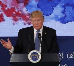 """트럼프 """"대북제재 안 통하면 매우 매우 불행한 2단계로 갈 것"""""""
