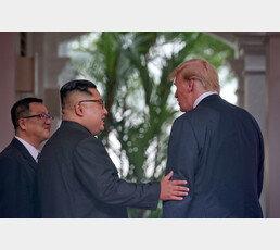 """NYT칼럼 """"독재자 김정은이 부러운 트럼프, 그의 진짜 적은 …"""""""
