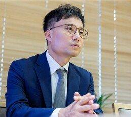 """""""퍼포먼스 다급한 쪽은 '월급 사장' 아닌 '오너' 김정은"""""""