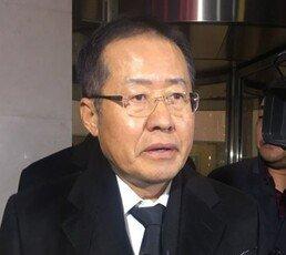 """홍준표, 이재수 전 사령관 조문 """"검찰, 사냥개 넘어…"""""""