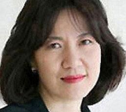 [김순덕 칼럼]조국이 위험에 처하다