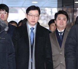 """드루킹 특검, 김경수 지사 징역 5년 구형…""""일탈된 정치인"""""""