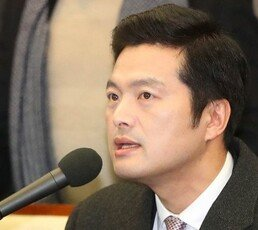"""김태우 """"靑 특감반, 내근직도 출장비 지급…국가 예산 횡령"""" 주장"""