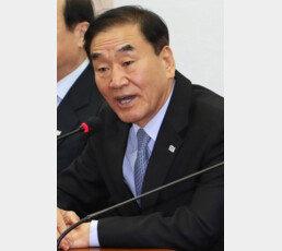 """이재오 """"이명박 산소호흡기 이용…文정권 검찰 잔인무도"""""""