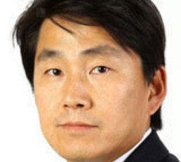 [오늘과 내일/박용]'코리아 디스카운트', 북한만 탓할 수 없다