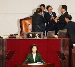 외신 기자들, 민주당 논평 비판 성명 잇달아
