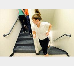 [이진한의 메디컬 리포트]계단 함부로 오르지 말라