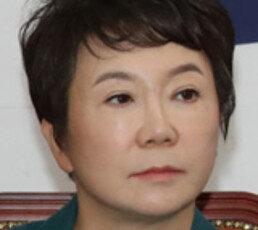 """정미경 """"세월호 한척 갖고 이긴 文대통령"""" 막말 논란"""