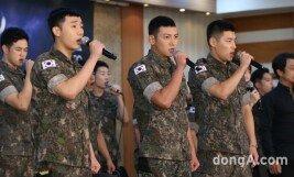 [화보]지창욱·강하늘·김성규 '수트보다 멋진 군복'