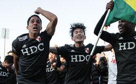 돌아온 부산…3전4기 승격쇼