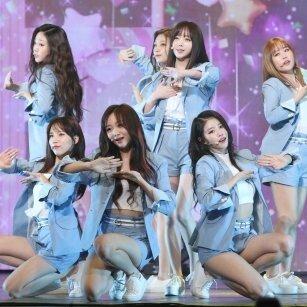 러블리즈 '치유' 무대 공개