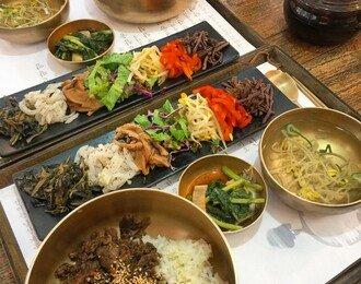 '철판' VS '숯불' 국민 닭갈비 맛집