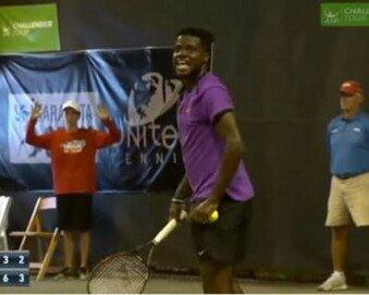테니스 경기 중단시킨 '女 신음소리'…뿔난 선수들 반응에 '폭소'