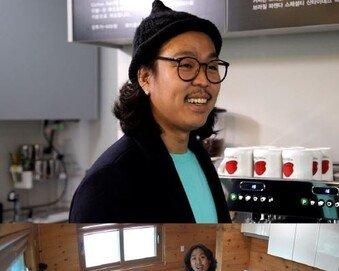 """허영란, 남편 최초 공개…'이국적 외모+구릿빛 피부'에 순박? """"취한다"""""""