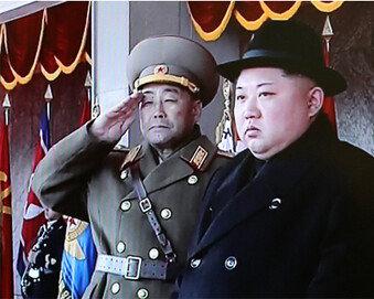 """""""1년 넘게 이어진 대북제재 약효 먹히기 시작"""""""