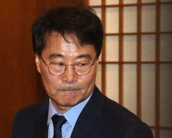 """""""장하성이야말로 통계 왜곡 정점 선 인물"""""""