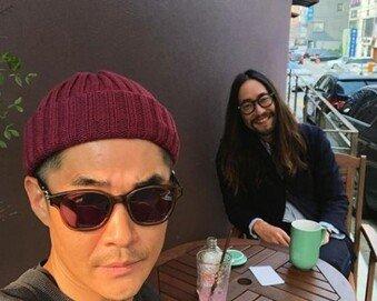 """류승범 근황 공개…""""가슴 가린 긴 머리"""""""