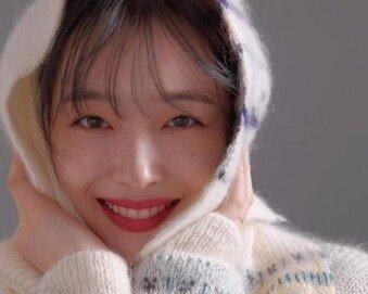 "BBC ""설리, 보수적인 韓 케이팝 세계에 반기 든 여성"""