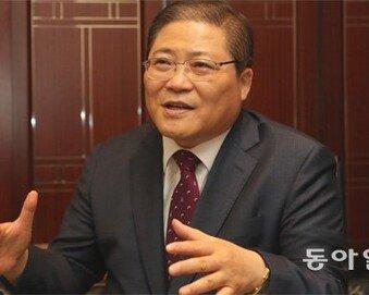 """""""극단적 교회 집회 문제지만, 권력 쥔 사람도 편가르기 그만해야"""""""