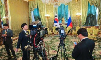 [원대연의 잡학사진] 또 지각한 푸틴…文대통령 52분 기다리게 해