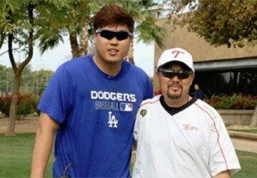 류현진, 전 LG 김용일 트레이너 코치와 미국 동행
