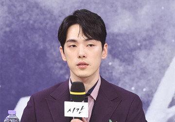"""김정현 측 """"무표정 논란, 큰 역할에 부담""""…연기로 증명할까"""
