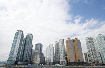 국민 절반, 가장 유리한 재테크는 '부동산'…암호화폐 5%