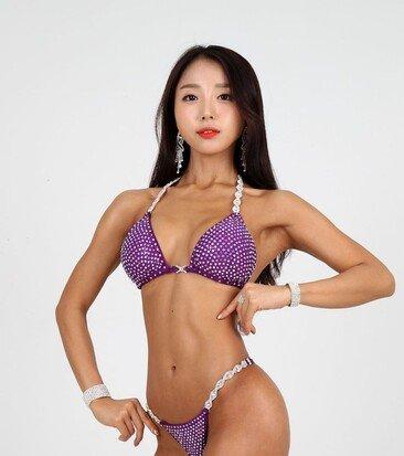 피트니스 모델 윤인하, 男心 홀리는 각선미