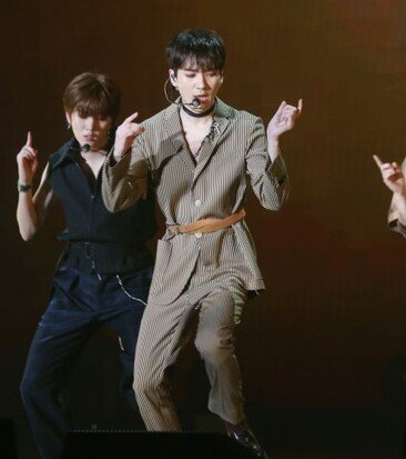 [화보]뉴이스트W, 전격 컴백.. 몽환적인 데자부 무대