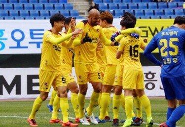 광주FC, 아산 무궁화 상대로 구단 신기록 13경기 연속 무패 도전