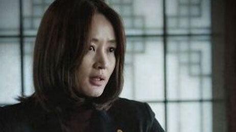 """김혜수 """"국가부도까지 일주일"""""""