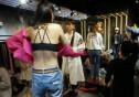 마네킹 대신 '피팅 모델' 내세운 쇼핑몰… 인기 폭발!