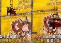 """""""성공 확률 100%""""… 서울랜드 '인간 인형뽑기', 역대급 아이디어"""