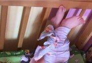 기저귀로 아기 온몸 묶어놓은 어린이집 교사들 '충격'